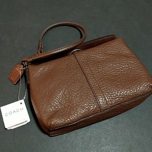 SOLD! * Coach Chelsea Leather Turnlock Wristlet